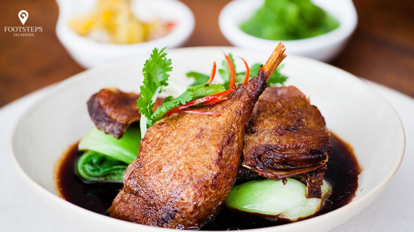 Món vịt chiên thơm giòn Cripy Duck tại Bali